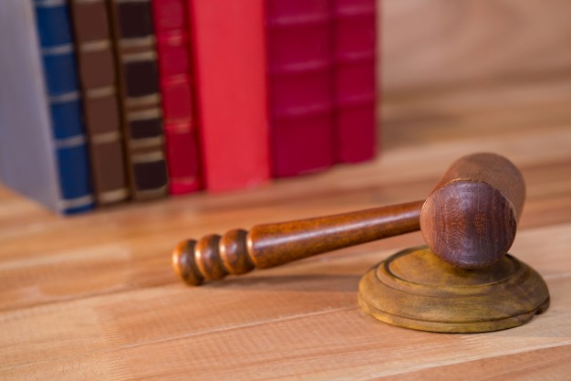Zawieszenie, podjęcie i odwieszenie postępowania sądowego