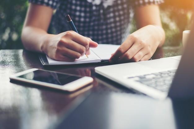 Poświadczenie dziedziczenia przez notariusza w formie aktu notarialnego