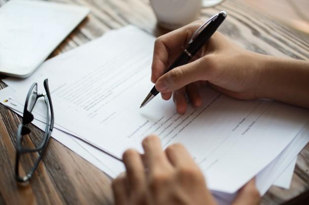 Podpisanie testamentu własnoręcznego