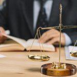Oszustwo sądowe i wprowadzenie w błąd sędziego w sprawie spadkowej