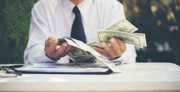 Zabranie i wypłacenie pieniędzy spadkodawcy bez zgody spadkobierców