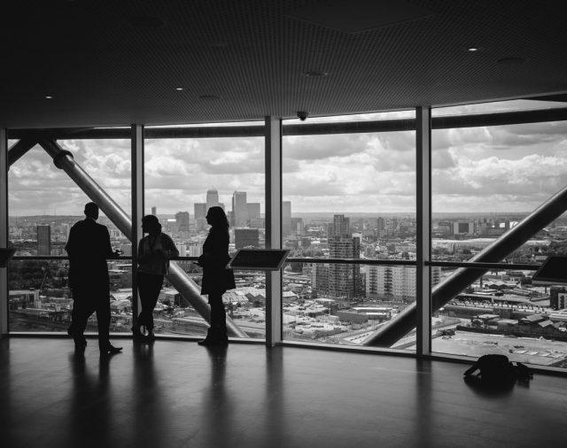 Egzekucja komornicza długów firmy, a zarządca sukcesyjny
