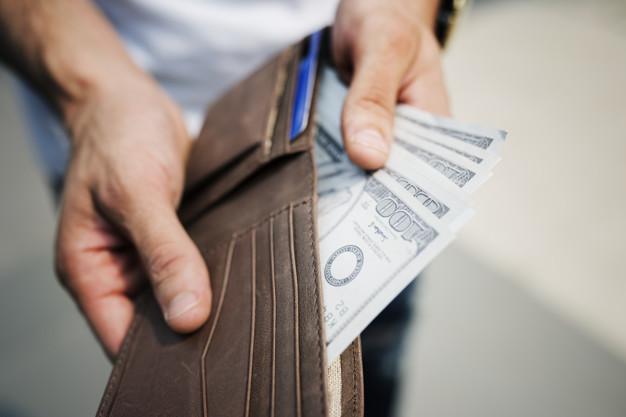Wypłata pieniędzy spadkodawcy z banku po jego śmierci bez zgody i wiedzy spadkobiercy