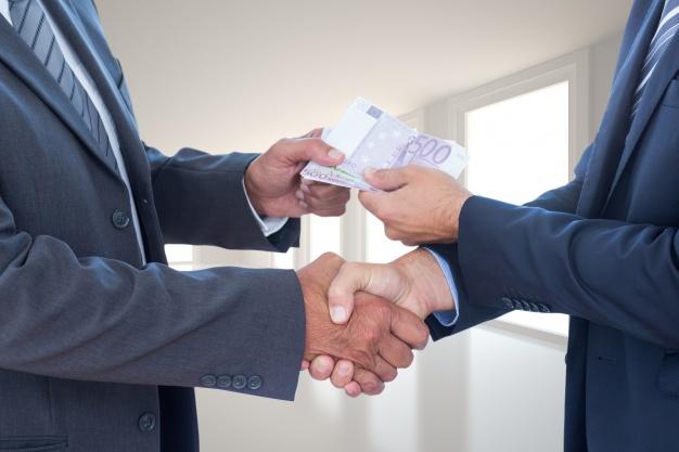 Sprzedaż lub darowizna rzeczy czy nieruchomości należącej do spadku bez zgody spadkobierców