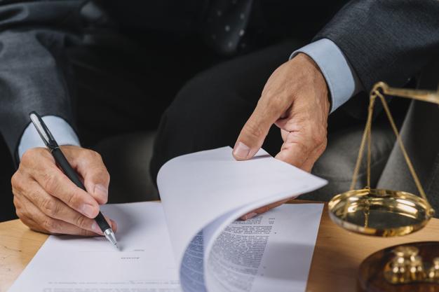 Sprzedaż udziału w nieruchomości przez spadkobiercę a zniesienie współwłasności